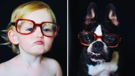 La bimba e il cane ricreano le stesse foto: il risultato è dolcissimo
