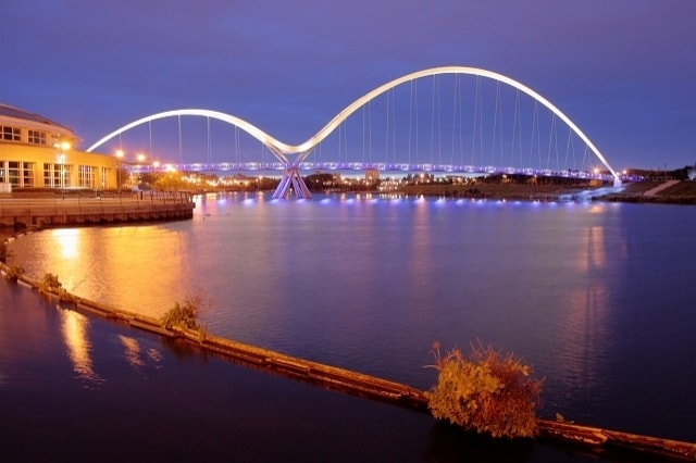 https://en.wikipedia.org/wiki/Stockton-on-Tees#/media/File:Infinity_Footbridge_-_geograph.org.uk_-_1493237.jpg