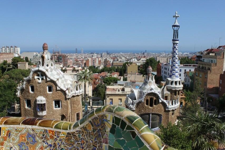 https://pixabay.com/en/parc-guell-gaud%C3%AD-barcelona-spain-332390/