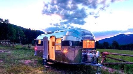 Una trasformazione da 250mila dollari: ecco come un camper vintage diventa una casa di lusso mobile