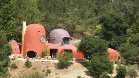 All'interno della Flintstones House: sembra un cartone animato invece è San Francisco