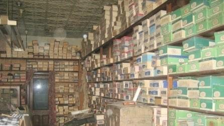 Negozio di scarpe abbandonato per oltre 40 anni: incredibile cosa ritrovano all'interno