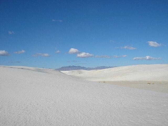 https://pixabay.com/en/new-mexico-white-sands-sand-white-355073/