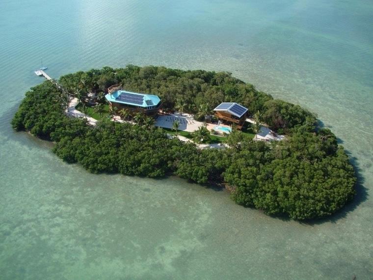 Con 1250 dollari a notte invece potrete permettervi un'isola completamente privata a largo della Summerland Key, appartenente allo stato della Florida, dove vi sembrerà di stare in un paradiso terrestre ma con tutte le comodità di una villa di lusso