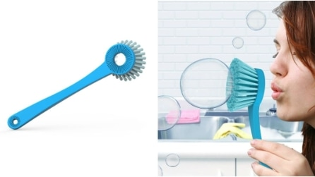 La spazzola per piatti che fa le bolle: ecco i prodotti che nascondono un segreto