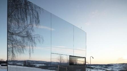 """La """"casa invisibile"""": quattro mura perfettamente integrate nella natura"""
