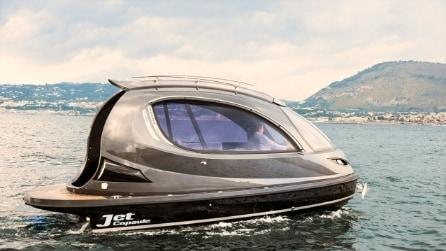 Non una moto d'acqua né il solito yacht di lusso: da Napoli arriva Jet Capsule