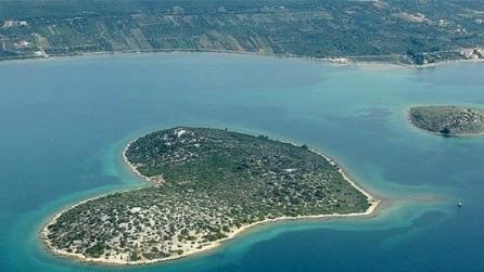 Le 10 isole a forma di cuore più straordinarie al mondo