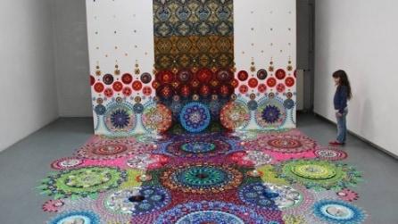 Suzan, l'artista che trasforma i pavimenti in opere d'arte