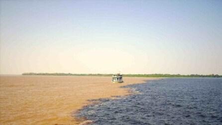 Lo spettacolare punto di incontro tra i due fiumi in Brasile