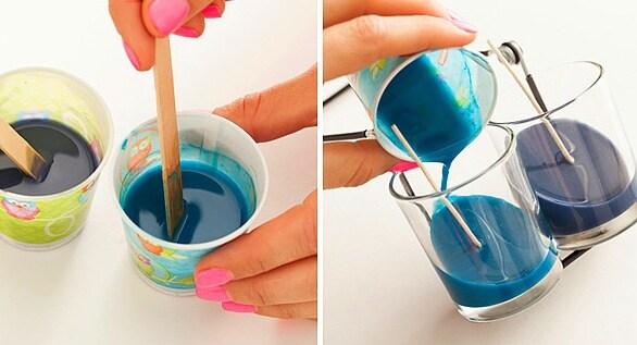 Mescola il tutto e versa nel bicchiere dove precedentemente ha applicato lo stoppino.