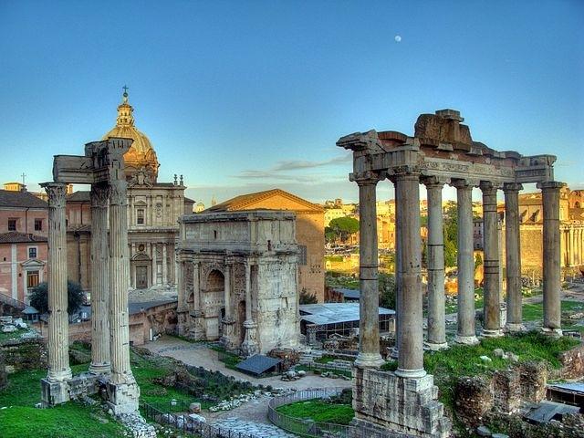 https://pt.wikipedia.org/wiki/Roma_Antiga#/media/File:Arch_of_SeptimiusSeverus.jpg
