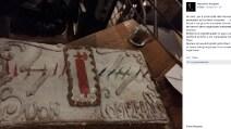 Il consigliere regionale del Veneto e la torta di compleanno col simbolo delle SS