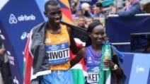 Maratona di New York, due kenioti vincono la 45esima edizione