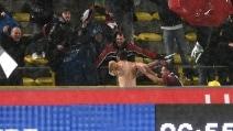 L'esultanza di Destro dopo il gol alla Roma