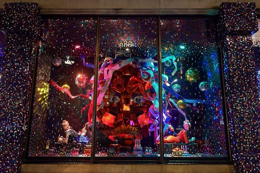 È lo Studio 54 ad aver ispirato le vetrine di quest'anno di Harvey Nichols(Photo by Heather Berrisford/Getty Images for Harvey Nichols)