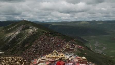 Larung Gar, il paradiso in terra per monaci e monache buddisti
