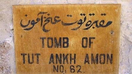 """Egitto, il mistero nascosto della tomba di Tutankhamon: """"C'è una stanza segreta"""""""