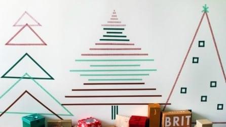 10 alberi di Natale da parete: come decorare con il nastro adesivo