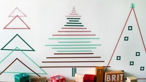 10 alberi di natale da parete come decorare con il nastro for Decorare stanza natale