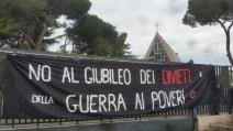 I movimenti per la casa occupano edifici del Vaticano in via Prenestina