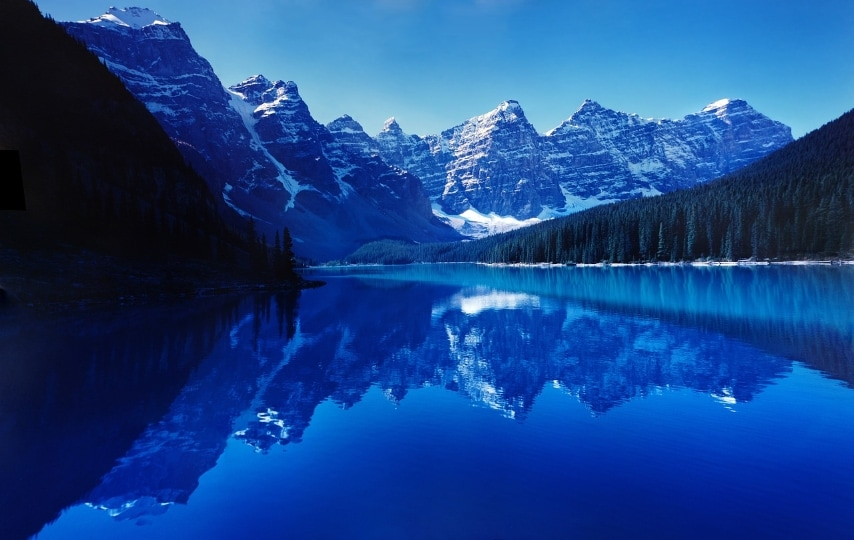 https://pixabay.com/en/moraine-lake-reflection-water-still-740473/
