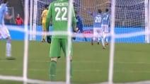 Lazio-Sampdoria, Marchetti esulta al gol di Matri e si infortuna