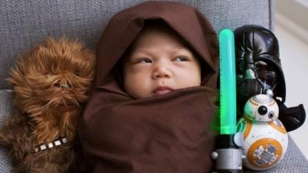 Zuckerberg mostra la figlia e il cane vestiti da Star Wars