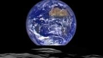La Terra sorge sulla Luna: l'incredibile scatto inviato dalla Nasa