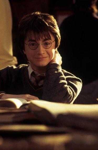 """Radcliffe è apparso anche in """"Giovani ribelli"""" e, curiosamente, tornerà tra trucchi e incantesimi di """"I maghi del crimine 2""""."""