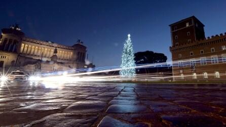 Roma si illumina per Natale, la città eterna è uno spettacolo