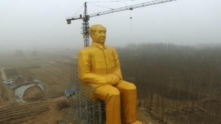 La statua enorme di Mao Zedong che divide la Cina