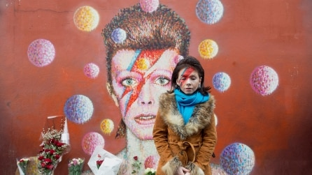 L'omaggio dei fan a David Bowie