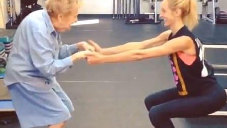 A 97 anni si iscrive in palestra: il suo segreto per essere in salute