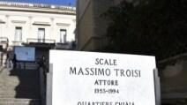 """Le scale di """"Scusate il ritardo"""" intitolate a Massimo Troisi"""