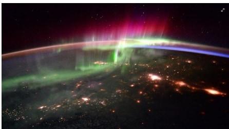La danza delle luci: lo spettacolo dell'aurora boreale dallo Spazio
