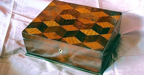 Aprite la scatola con i vostri gioielli e non ve ne pentirete!
