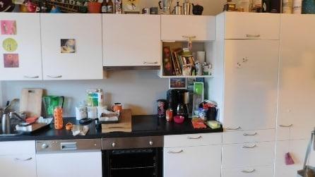 Riuscite a vedere il gatto nascosto in cucina?