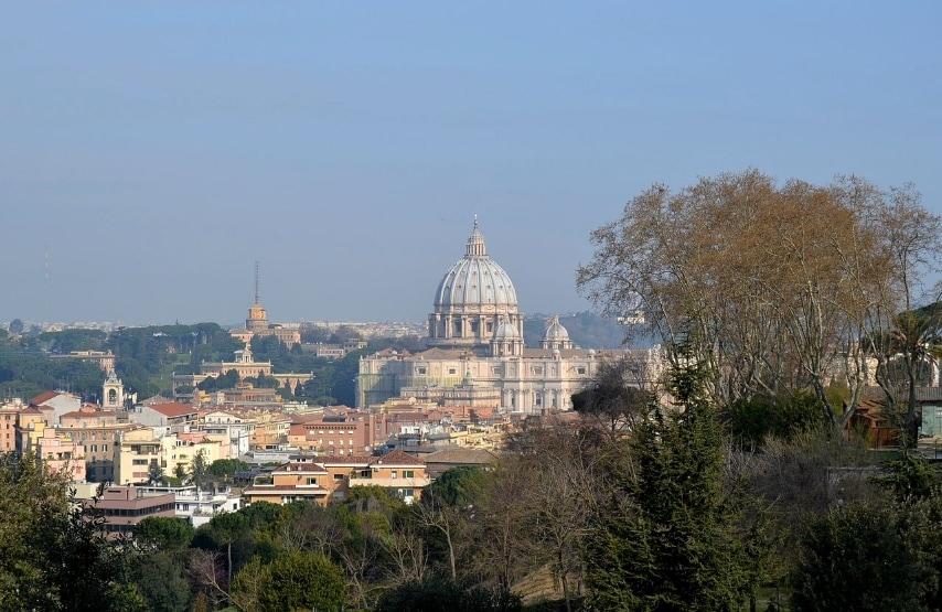 https://commons.wikimedia.org/wiki/File:20110327_Roma_-_Gianicolo_006.jpg
