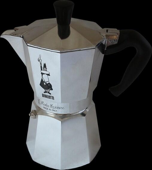 La famosa moka con la quale facciamo il caffè ogni mattina ha una forma ottagonale (in sezione trasversale) in modo da aumentare la presa nel caso in cui la superficie si bagnasse.