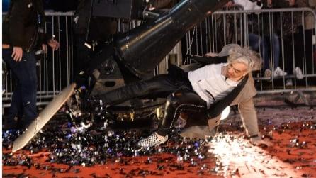 I Bluvertigo arrivano a Sanremo (e Morgan cade con lo skateboard)