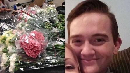 Per San Valentino compra 900 rose e le regale a tutte le ragazze della sua scuola