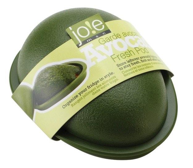 Quando si mangia un avocado e si è da soli difficilmente lo si usa tutto, eco un modo per conservare la parte rimanente.