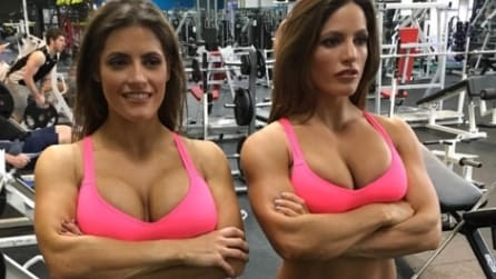 Passione body-building: le gemelle condividono i loro scatti hot su Instagram