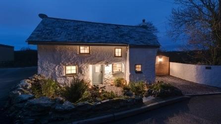 La casa che ha più di 300 anni: incredibile come è stata trasformata