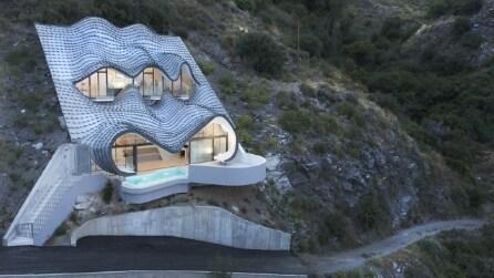 Casa sulla scogliera: ecco la contemporanea grotta di Gaudì