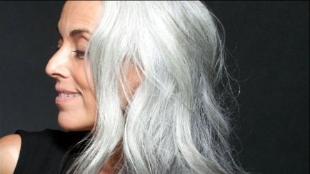Yazemeenah Rossi, la modella 60enne che incanta il web
