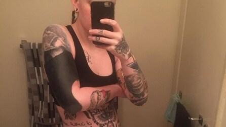 Blackout Tattoo: i tatuaggi completamente neri vanno di moda