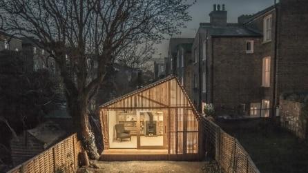 Il rifugio dello scrittore: ecco il capannone incantato in un giardino di Londra
