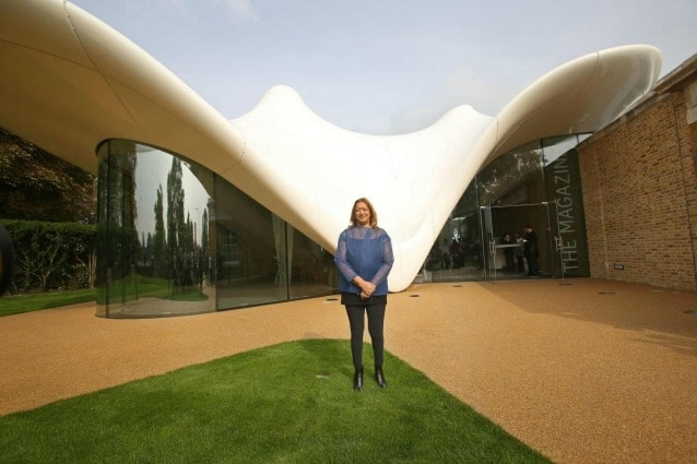 Zaha Hadid davanti alla Serpentine Sackler gallery in Hyde Park, London. Photo credit should read: Philip Toscano/PA Wire